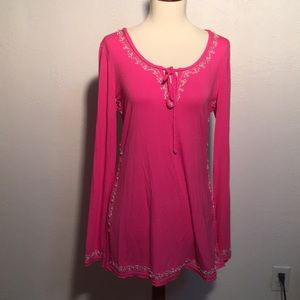 Tops - Beautiful shirt with bead detail